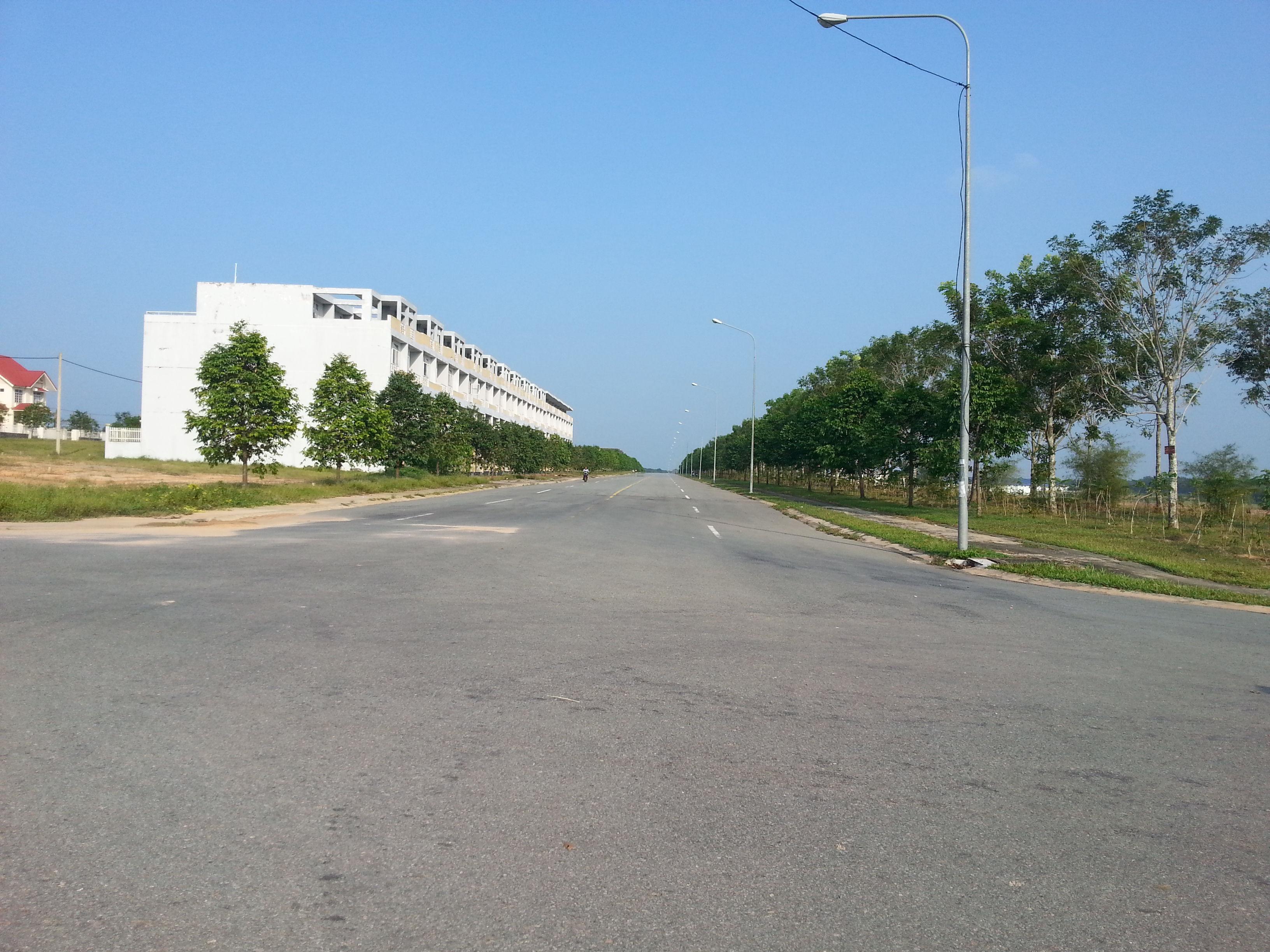 Bán lô G1 Mỹ Phước 3 mặt tiền đường NE4
